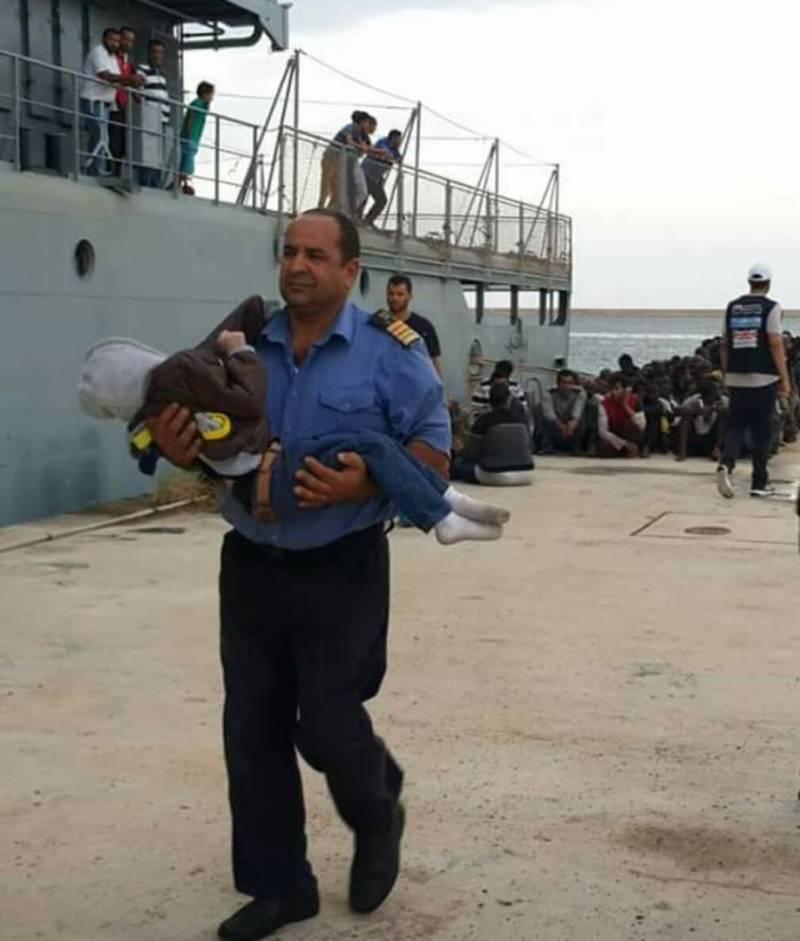 """Intervista al Comandante Guardia Costiera Libica. """"Se l'Italia chiude i porti diminuiranno le partenze"""""""